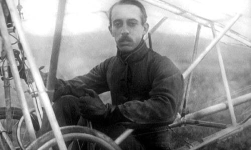Alberto Santos Dumont primer vuelo