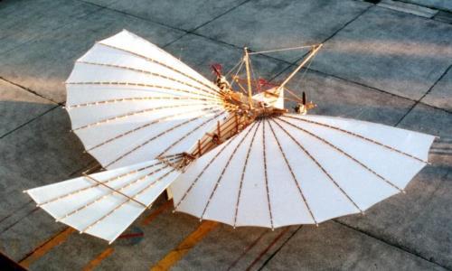 Primer avión con motor en volar