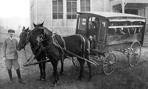 Primera línea de autobús de la historia