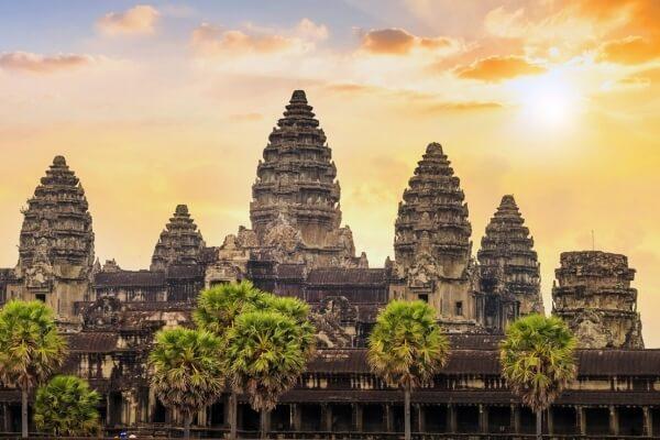 cuál es la historia del monumento Angkor Wat