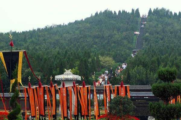 cómo es el Mausoleo del emperador Qin Shi Huang