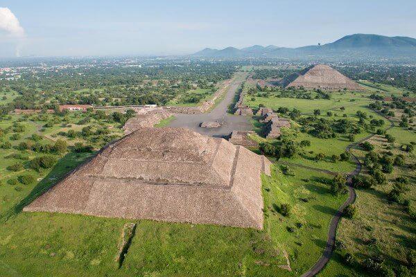 piramide del sol de la cultura teotihuacana arquitectura
