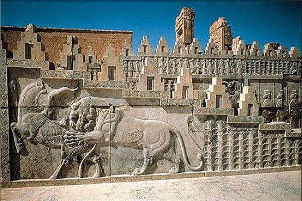 cómo estaba decorado el Palacio de Persépolis