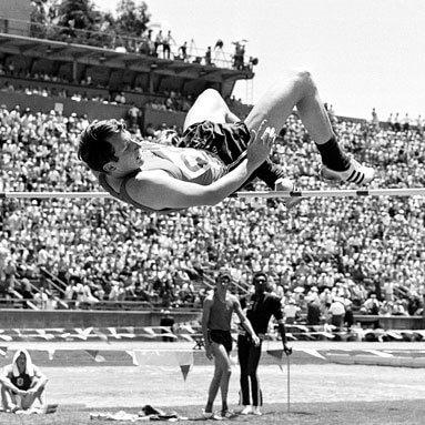 quien inventó el salto fosbury atletismo