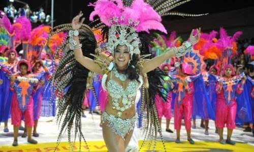 la historia de los disfraces en carnaval