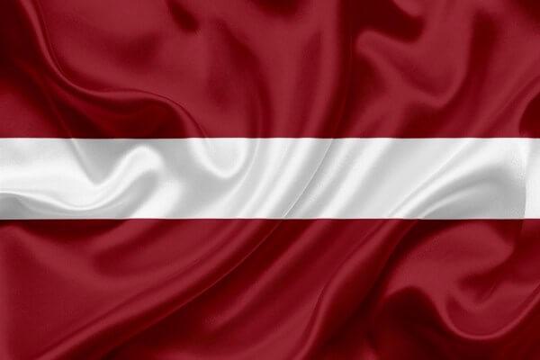 quién creó la bandera Letonia