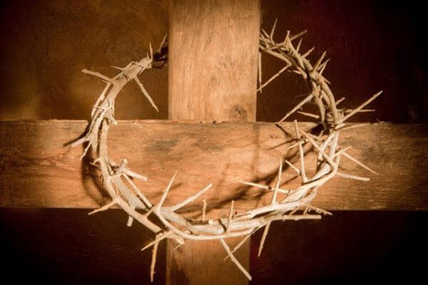 historia de la corona en el cristianiso