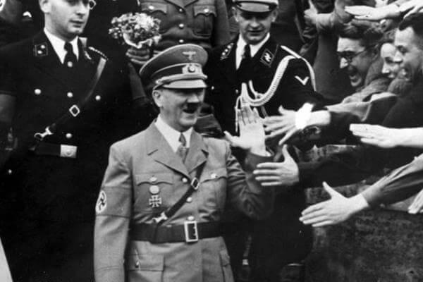 Historia de Adolf Hitler