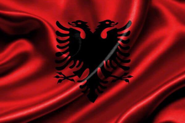 quién creó la bandera de Albania