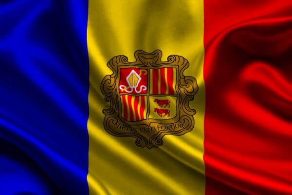 quién y cuándo se creó la bandera de Andorra