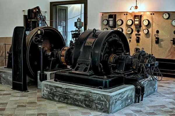 origen e historia de las centrales eléctricas