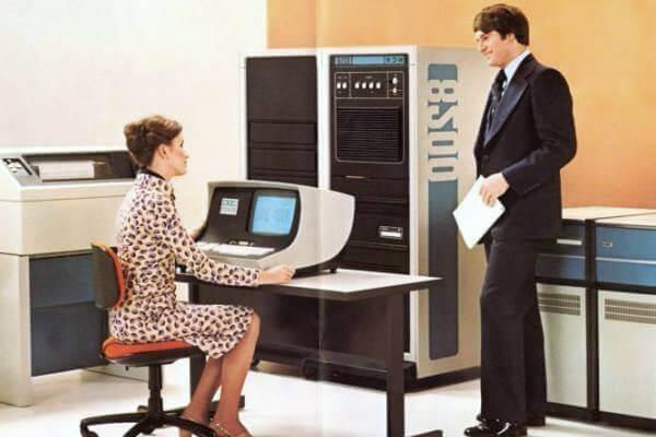 Historis de la computadora y su inventor