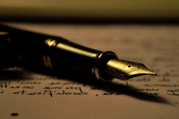 Historia de la pluma estilográfica y su origen