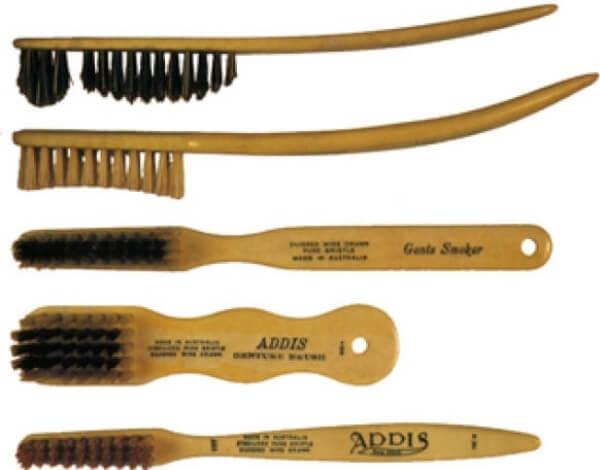 historia española cepillo dental