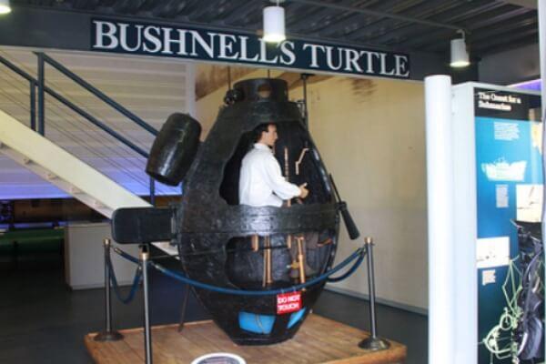 ¿Cómo se hizo el submarino?