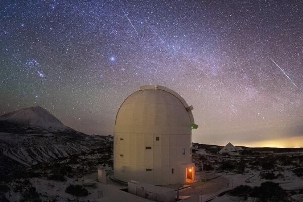 quién inventó el telescopio