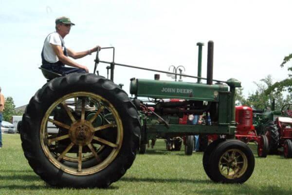 origen e historia del tractor