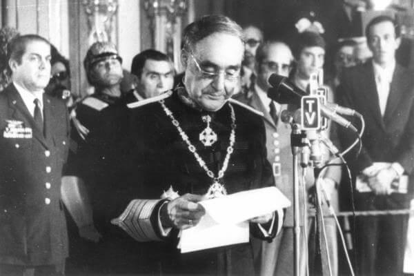 historia fin dictadura portuguesa