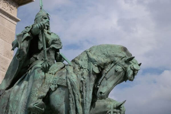 quién fundó Hungría