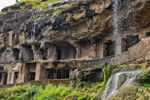 de que son las grutas de Ajanta
