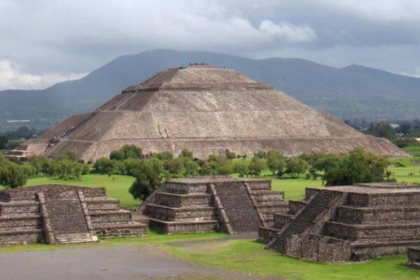 origen pirámide del sol de teotihuacan en mexico