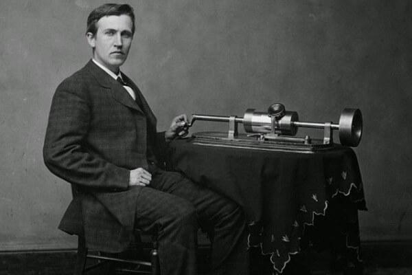 cuándo se inventó el fonógrafo