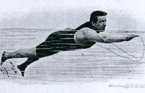 quién inventó la natación y en qué año