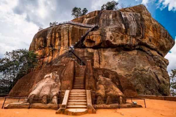 cuándo se construyó Sigiriya