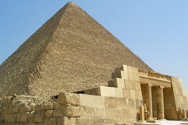las pirámides son una maravilla del mundo antiguo
