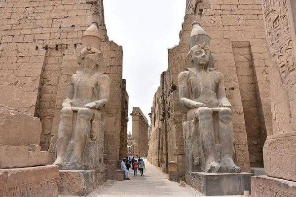 proceso de construcción templo karnak