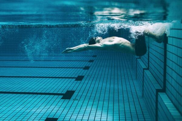 ¿Cuáles son los 4 estilos de la natación?