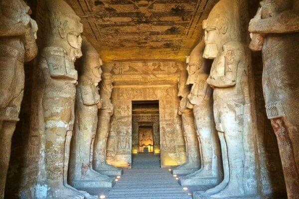 proceso de construcción del templo de Abu Simbel