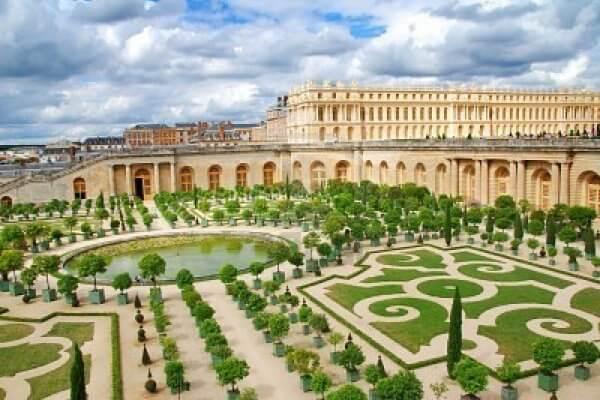 cuándo se construyó el Palacio de Versalles
