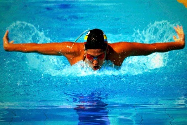 historia estilo mariposa natación