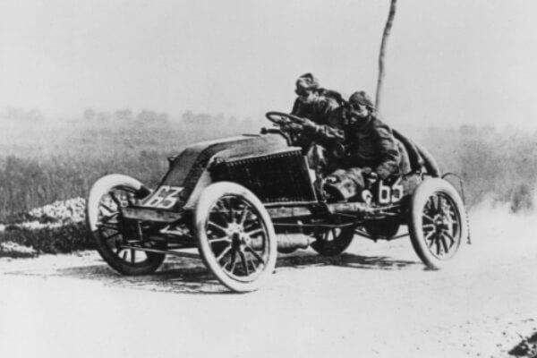primer club automovilístico de la historia