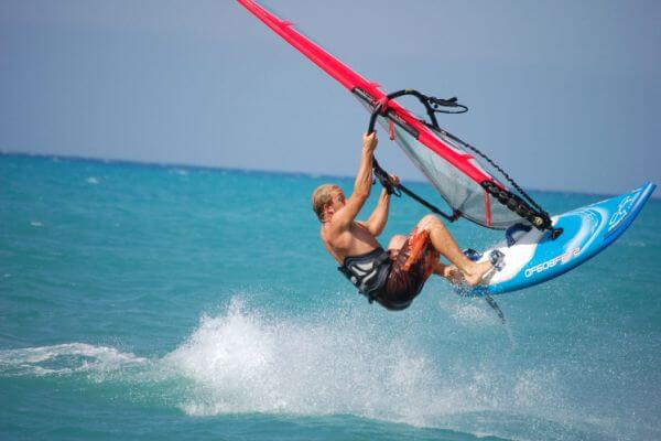 reseña histórica del windsurf