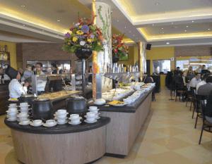 dónde se inventaron los restaurantes selfservice