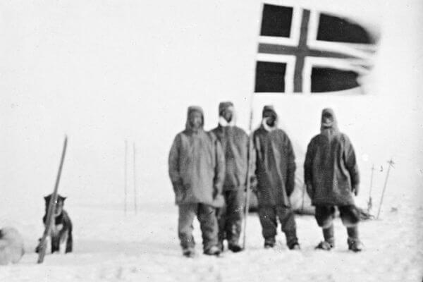 primeras personas en llegar a la antártida