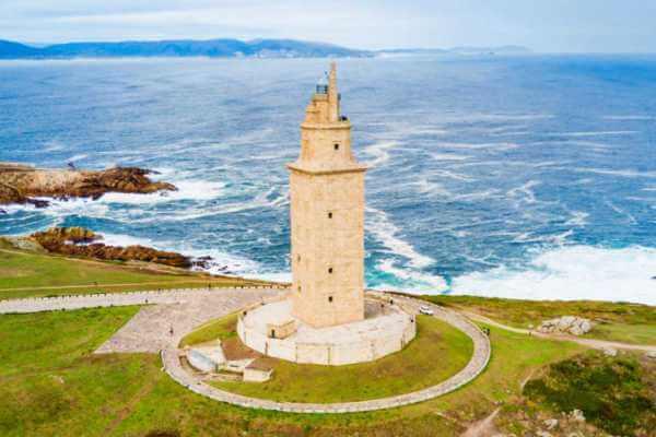 Torre de Hércules - Características, Origen y Leyenda✔️
