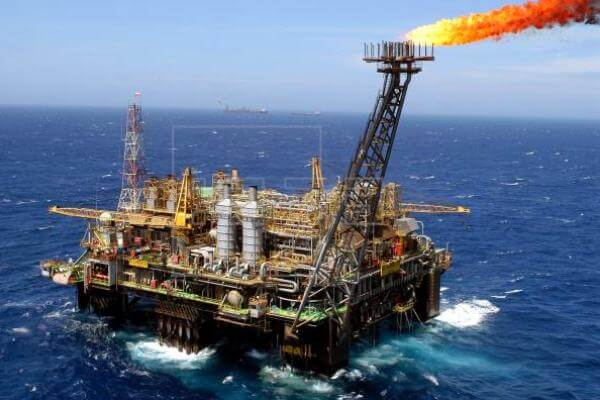 primer pozo de petróleo