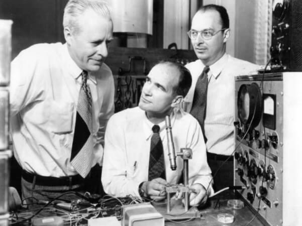cuándo se inventó el transistor