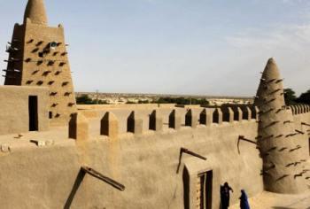 cuándo se construyó la Mezquita de Tomboctú