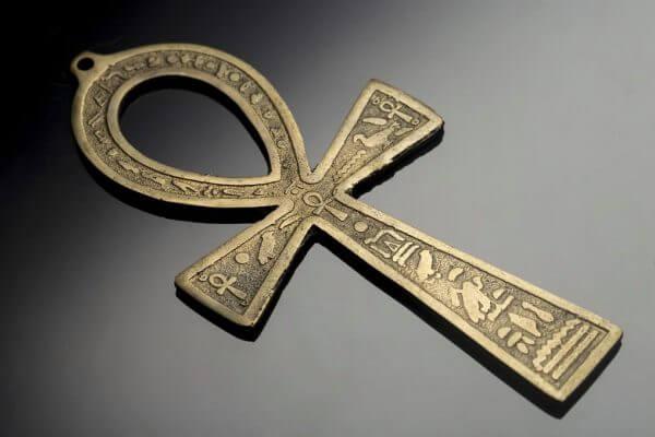 cuál es el origen de la cruz