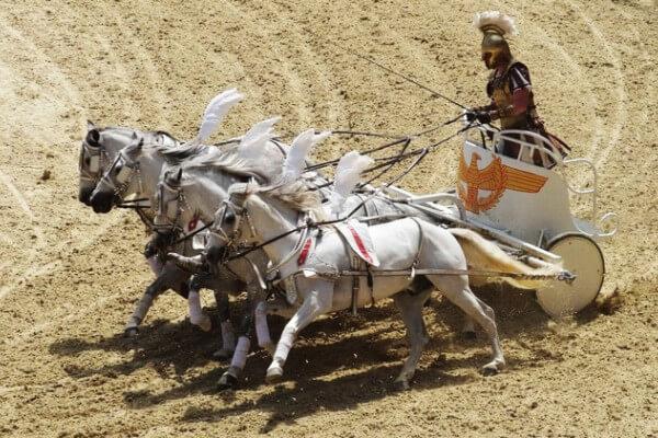 cuál es el origen de las carreras de caballos