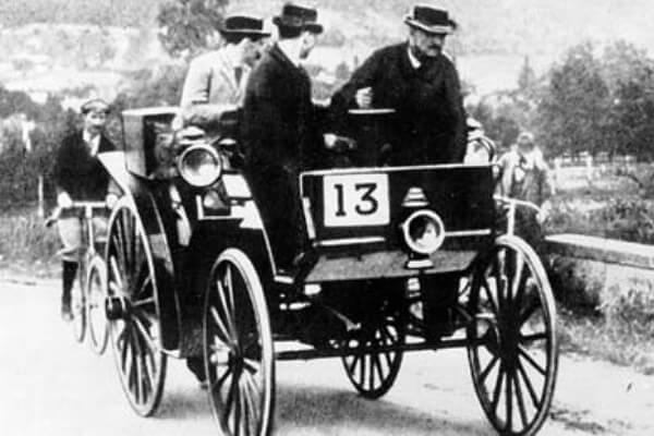 primera carrera de coches de la historia