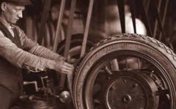 cuál es el origen del neumático