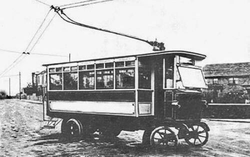 primer autobús eléctrico