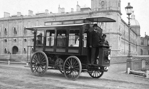 primera línea de autobús urbano del mundo