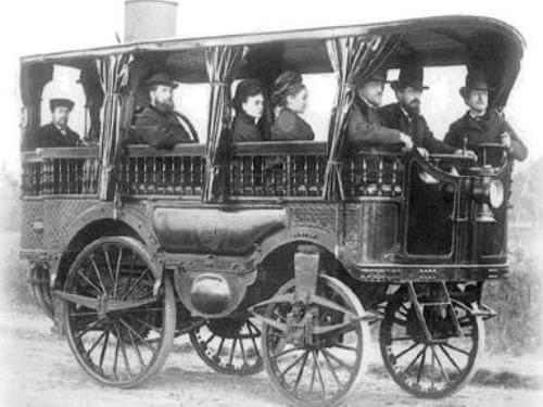primer autobús a vapor