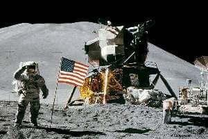 quién es el primer hombre en pisar la Luna